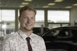 Anthony Bischoff : Sales and Leasing